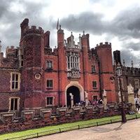 5/5/2013 tarihinde Simon B.ziyaretçi tarafından Hampton Court Palace'de çekilen fotoğraf