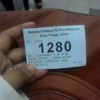Photo taken at Pejabat Pos Besar Kota Tinggi by Tykaa M. on 9/1/2015