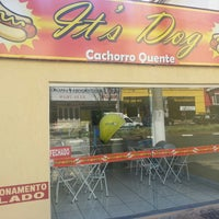 Photo taken at It's Dog Cachorro Quente by Paulo Z. on 4/20/2013