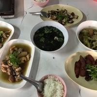 Photo taken at ข้าวต้มปฐม by Swim I. on 12/24/2016