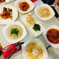 Photo taken at Bliss House Theme Restaurant by Yentingggg on 3/6/2015