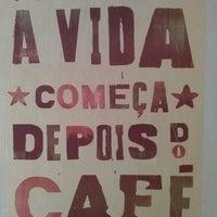 Foto tirada no(a) Toca do Café por Fernanda N. em 1/31/2016