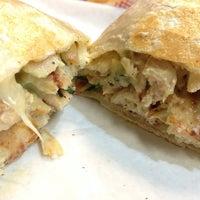10/20/2013에 Andrew Z.님이 El Super Burrito에서 찍은 사진