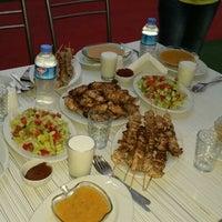 Photo taken at öz damak cağ kebabı by Mesut K. on 7/27/2014