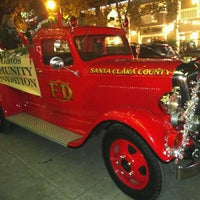 Photo taken at Los Gatos Town Plaza by Dmytro F. on 12/3/2016