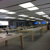 Photo taken at Apple Syracuse by Jim V. on 10/30/2012