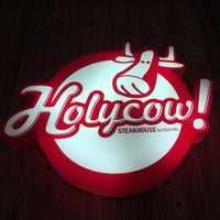 Foto tirada no(a) Holycow! Steakhouse por Thiruchelvan S. em 12/15/2017