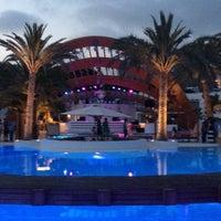 Foto tomada en Destino Pacha Ibiza Resort por Nath P. el 7/26/2013
