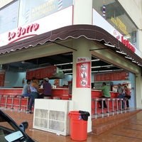 Photo taken at La Barra - Atalaya by RestaurantesRD on 7/8/2014