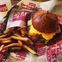 Снимок сделан в Epic Burger пользователем Igin I. 1/5/2013