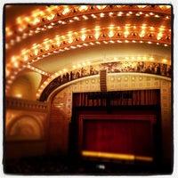 Снимок сделан в Auditorium Theatre пользователем Igin I. 11/22/2012