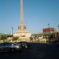 Photo taken at BTS Victory Monument (N3) by Sureerat J. on 1/14/2013
