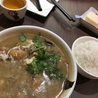 Photo taken at Ying Ker Lou (迎客楼) by Bob T. on 12/21/2017