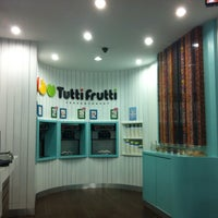 Photo taken at Tutti Frutti by Kahkayy on 4/29/2016