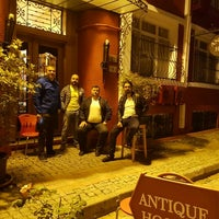 Photo taken at Antique Hostel & Guesthouse Istanbul by Zafer C. on 5/10/2016