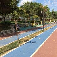 Photo taken at Fatih Sultan Mehmet Parkı / Yürüyüş Parkuru by Hasan C. on 7/15/2014