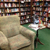 Foto scattata a Tattered Cover Bookstore da Lynn il 12/6/2012