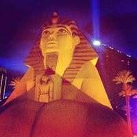 3/3/2013 tarihinde Eddy V.ziyaretçi tarafından Luxor Hotel & Casino'de çekilen fotoğraf