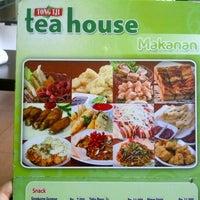 Photo taken at Tong Tji Tea House by ranza w. on 11/26/2012