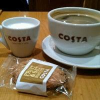 Снимок сделан в Costa Coffee пользователем Rami S. 12/28/2012