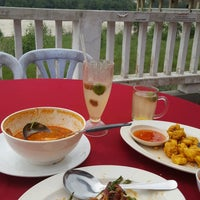 Снимок сделан в Restoran D' Coral Ikan Bakar Istimewa & Thai Seafood пользователем Muhd A. 4/30/2017