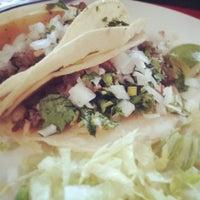 Foto tomada en Pablo's Old Town Mexican Restaurant por John R. el 4/12/2013
