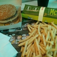 Photo taken at McDonald's by Gabriel A. on 8/4/2015