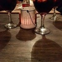 Foto diambil di 500 Noches Cafe-bar oleh Ale E. pada 12/20/2017
