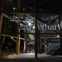 Photo taken at Jones Bay Wharf by Luiz Fernando C. on 4/2/2018