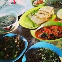 Foto diambil di Moro Lejar Restaurant oleh Aditya K. pada 1/30/2014