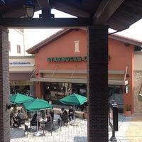 Photo taken at Starbucks by Stonian K. on 2/23/2014
