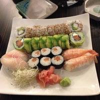 Foto tomada en Sushi House por Christofer V. el 6/29/2013