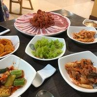 Photo taken at Seoul Korean BBQ Restaurant by Pooh  Siripak S. on 4/10/2018