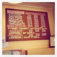 Photo taken at Jinky's Cafe Santa Monica by Krista T. on 10/5/2012