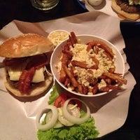 Photo prise au Crave restaurant and lounge par Louis Y. le8/8/2014