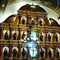 Photo taken at Basilica Minore del Santo Niño by Arcee C. on 2/10/2013