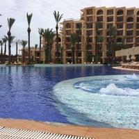 Photo taken at Mövenpick Resort & Marine Spa Sousse by Liliya Z. on 5/17/2018