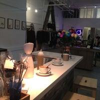 Foto tirada no(a) Café Integral por Melanie T. em 2/21/2013