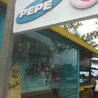 Foto tirada no(a) Praia do Pepê por Miguel S. em 10/13/2012