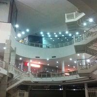 Foto tirada no(a) North Shopping Fortaleza por Miguel S. em 6/25/2013