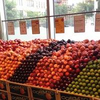 Foto tomada en Whole Foods Market por Anne H. el 7/21/2013