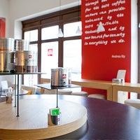Снимок сделан в Espressamente Illy пользователем illy - сеть итальянских кафе 7/22/2014