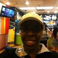 6/12/2013 tarihinde Sabrina H.ziyaretçi tarafından McDonald's'de çekilen fotoğraf