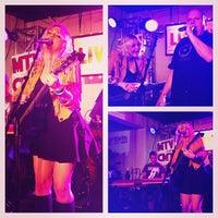 Photo prise au Empire Control Room par VH1 le3/13/2013