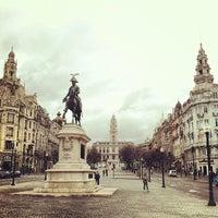 Foto tirada no(a) Avenida dos Aliados por Carlos F. em 4/11/2012