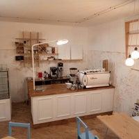 Снимок сделан в One Little Coffee Shop пользователем Liudmila K. 12/28/2017
