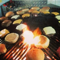 Foto tirada no(a) Vinil Burger por Rafael B. em 10/17/2013