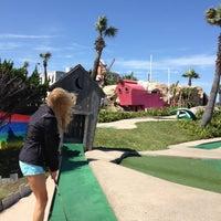 Photo prise au Magic Carpet Golf par Oneeyed Huevo W. le5/4/2013