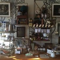 Foto scattata a The Random Tea Room da Curran S. il 4/9/2014