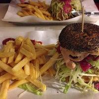 Foto scattata a Al Mercato Ristorante & Burger Bar da Antonio F. il 5/21/2013